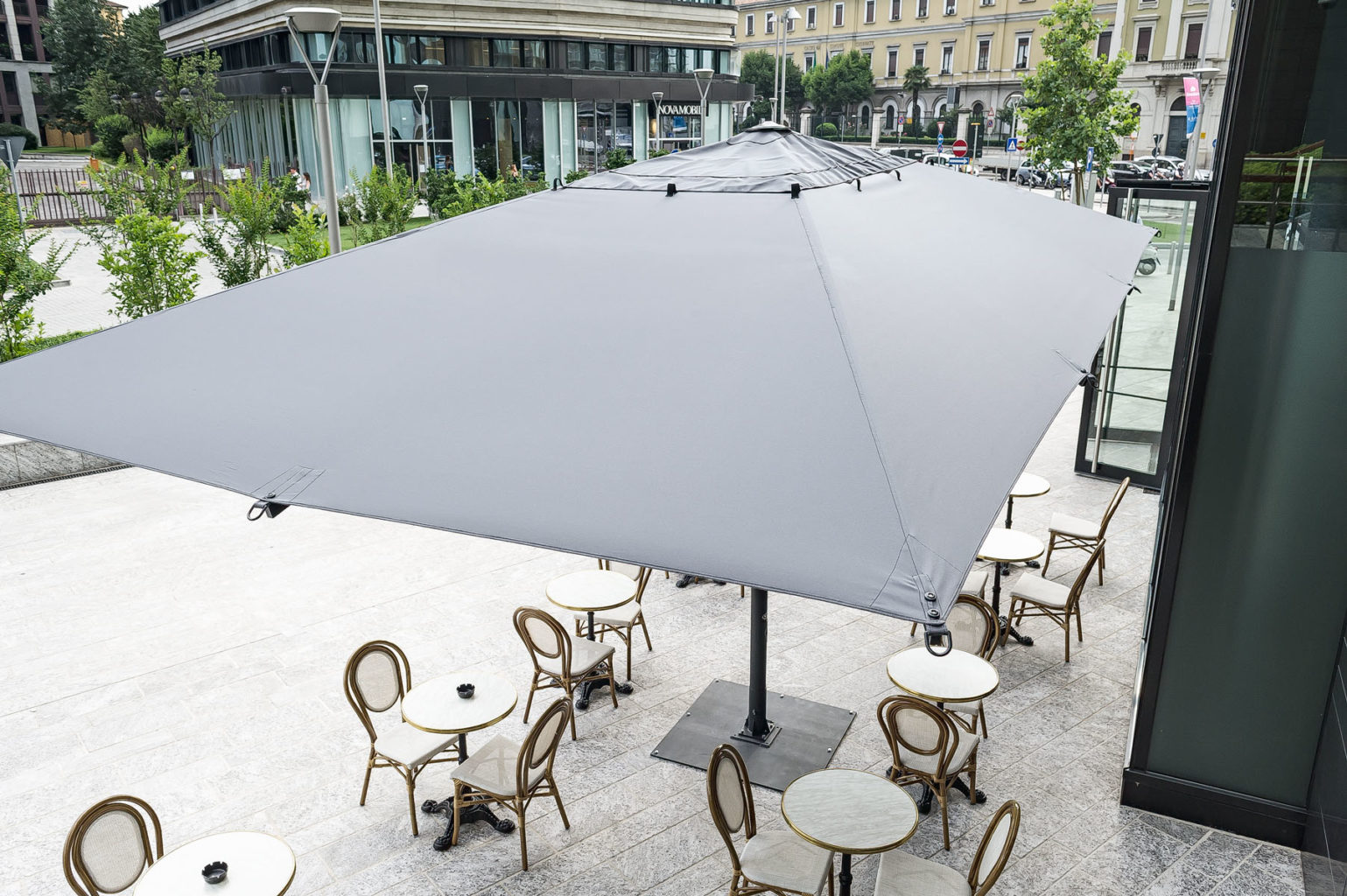 Center Post Large Patio Umbrellas – Dehor Collection