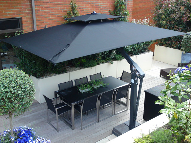 large outdoor cantilever umbrella